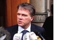 Minister Bos: gebruik ABN AMRO! image