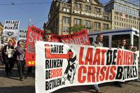 Nederland schiet in kramp bij crisis image