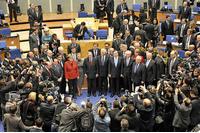 Laat Griekenland per decreet prijzen en schulden verlagen image