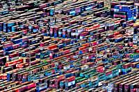 Afbeelding van grote hoeveelheid zeecontainers