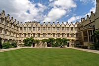 Tuin van het Jesus College Quad in Oxford, Oxfordshire