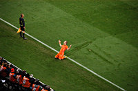 Arjen Robben juicht na het maken van een doelpunt
