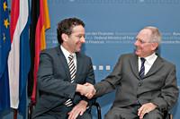 Minister Dijsselbloem en zijn Duitse ambtsgenoot Schäuble tijdens een kennismakingsoverleg in Berlijn